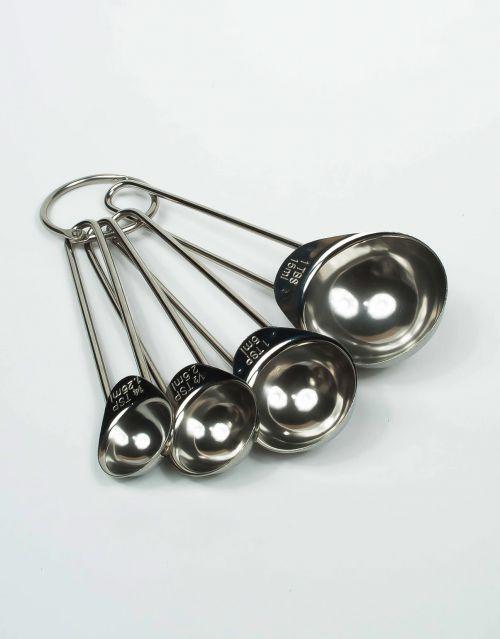 Útiles cucharas medidoras de acero inoxidable. -imagen-principal